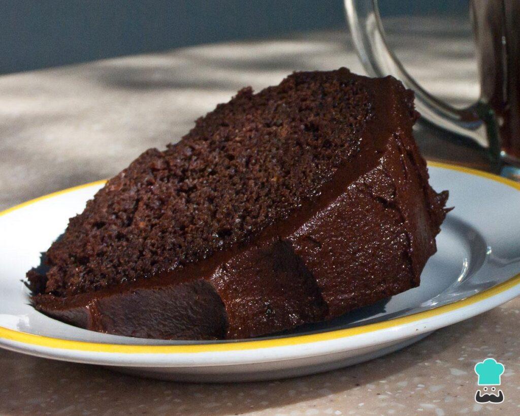 Bolo de chocolate com cacau em pó