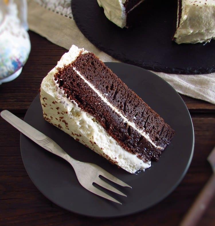 Receita de bolo de chocolate com chantilly