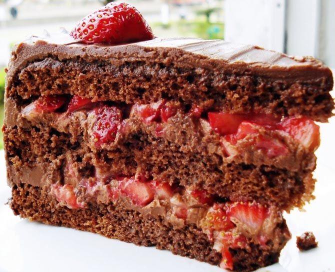 Receita de bolo de chocolate com recheio de morango