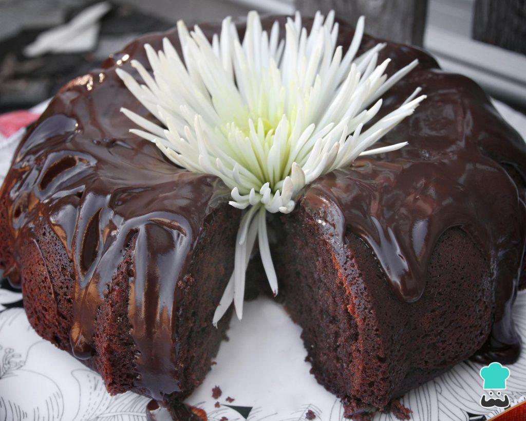 Bolo de chocolate com farinha de sorgo