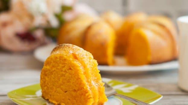 Receita de massa para bolo de cenoura simples