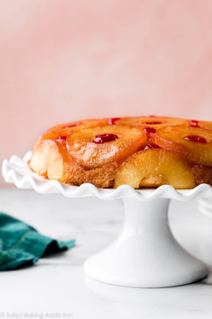 Receita de bolo de abacaxi com farofa de canela