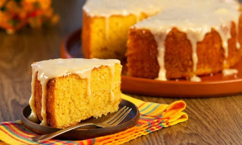 5 receitas de bolo de fubá perfeitas para o lanche da tarde