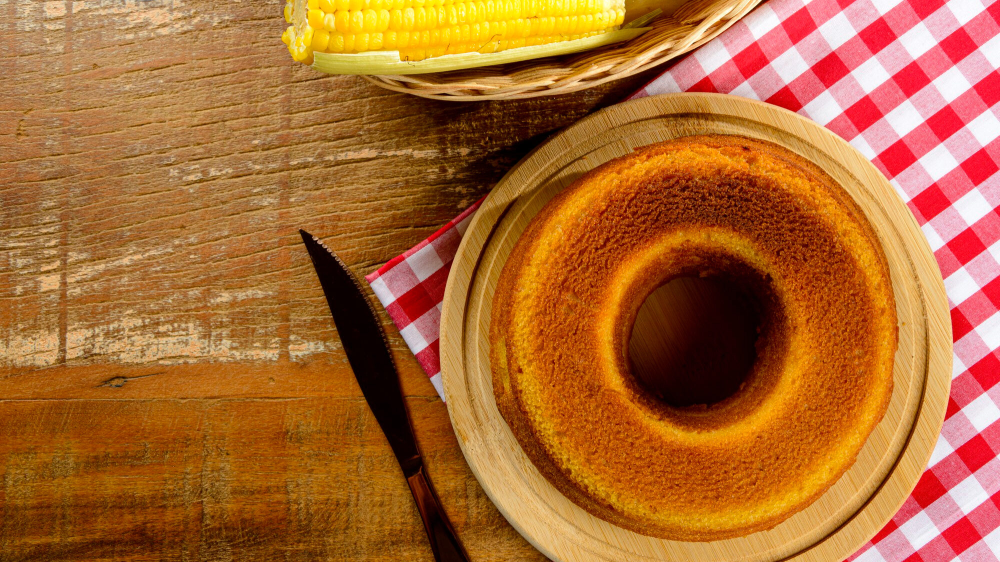 Essas 10 receitas de bolo de milho vão te deixar com água na boca