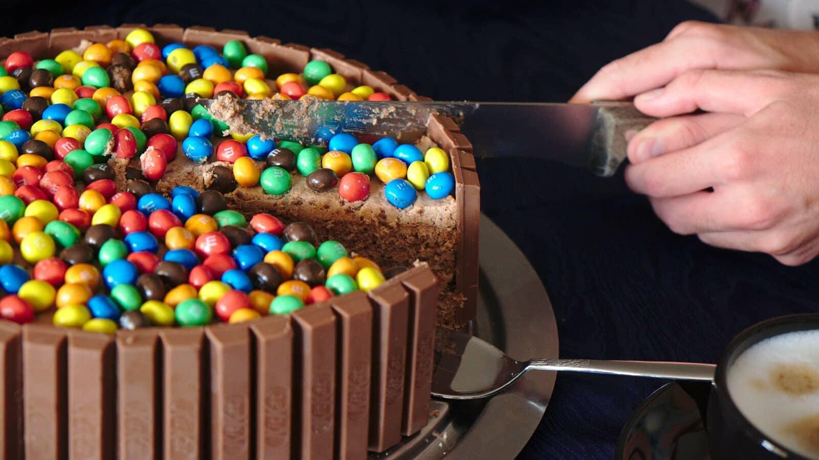 8 receitas deliciosas e divertidas de bolo para o dia das crianças!